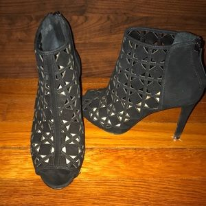 Michael Kors Shoes - Gently used bootie